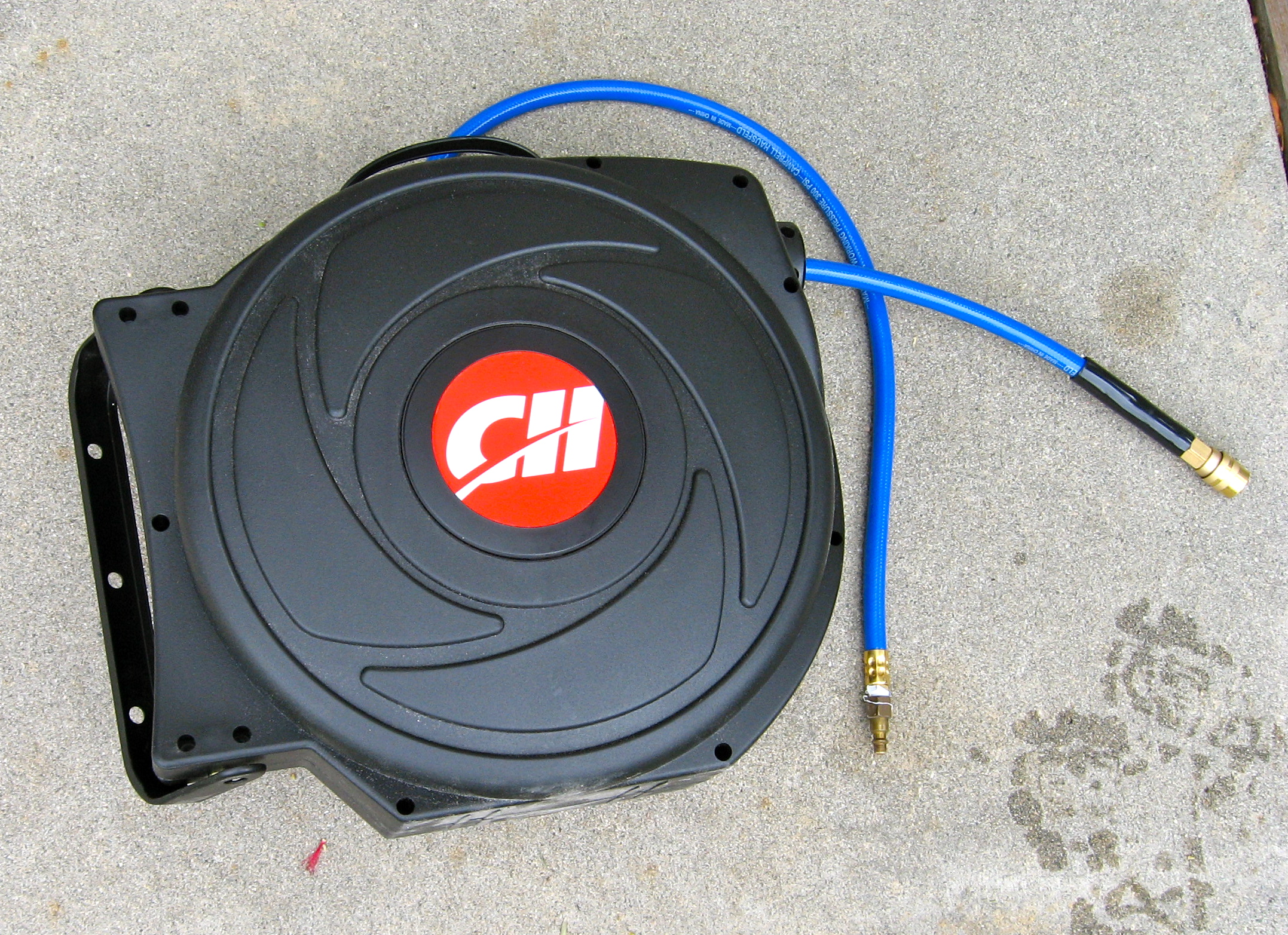 i purchased the campbell hausfeld pa500400av retractable air hose reel recently and am quite pleased with it this air hose reel review is what i have - Retractable Hose